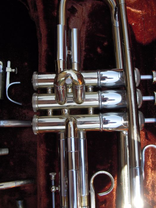 Trumpet - Olds & Son, Frullenton, California U S A  -serial number 969613,  Super Old - Catawiki