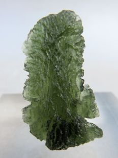 Excellent Moldavite - 3.4 x 2.0 x 0.75 cm - 27.20 ct