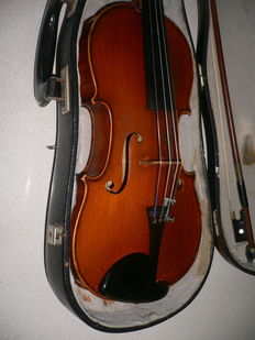 Beautiful old flamed 3/4 violin with warm sound