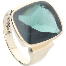 14 kt - Yellow gold signet ring set with a green quartz - Ring size: 19 mm