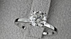 1.25 ct  round diamond engagement solitaire ring in 14kt gold - size 7