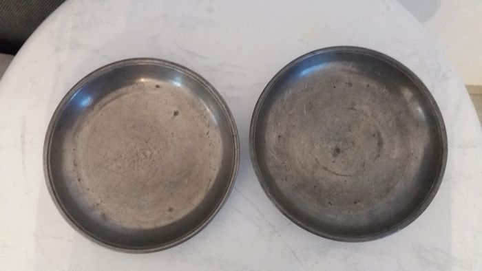 2 antique pewter plates from ca. mid-17th century