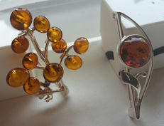 """Brooche - 2 pieces -""""Tree of happiness & """"the Fower"""" - natural Baltic amber - zilver 925 - no pressed - UV test"""