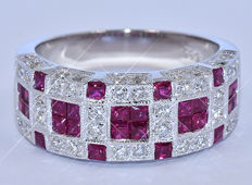 1.37 Ct Rubies and Diamonds band ring NO reserve price!