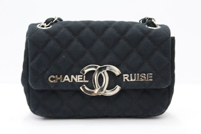 7c055e052f23 Chanel – Navy Canvas CC Cruise Flap Bag - Catawiki