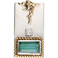 18 kt - White gold pendant with yellow gold tooling, set with a baguette cut green quartz - Length: 23.5 mm x Width: 12 mm