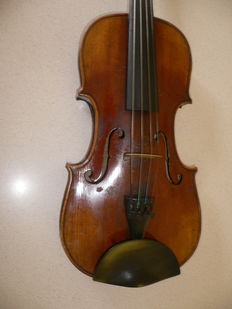 "Very nice old German 4/4  ""HOPF"" violin, little damages , but no cracks,about 100 years old"
