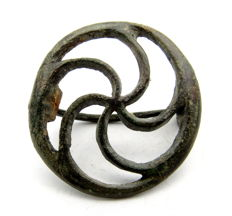 "Ancient Roman bronze open work Brooch shaped as wheel - ""the Wheel of Fortune"" - 33 mm"