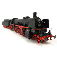 Märklin H0 - 39025 - Express train steam locomotive with pulled tender BR 18.3 of the DRG