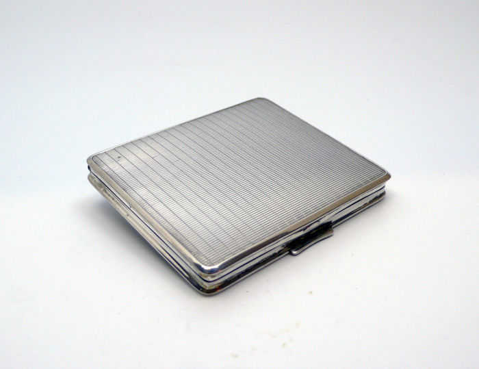 Art Deco silver compact powder - 1940s