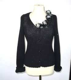 Chanel - rare cardigan with beautiful flower corsage at the neck