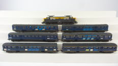 Lima H0 - 8024/309109/309305 - Electric locomotive Series 1200 with six carriages Plan E of the NS