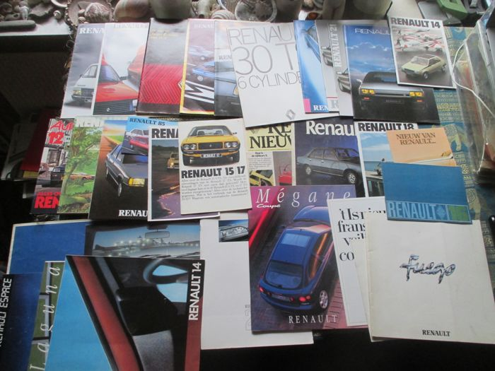 Car brochures (Renault, including 4/5/14/15/16/18/20/30, 30x, 1967-1993)
