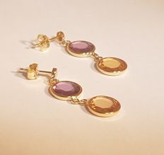 14 kt yellow gold stud earrings with a total of 4 coloured stones of 8 mm each, total length when hanging:  28 mm