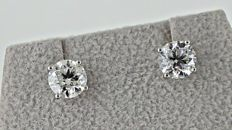 2.04 ct  round diamond stud earrings 18 kt white gold