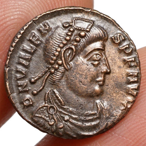 Roman Empire - Valens (364-378) AE Follis, Siscia, EMPEROR with prisoner