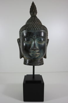 Large Buddha head on stand, 45 cm - China - late 20th/21st century