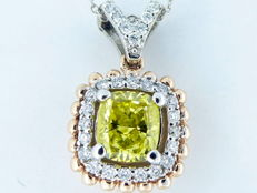 18 kt gold Pendant with fancy intense yellow coloured diamond, 0.75 ct & 56 diamonds 0.25 ct - 44 cm
