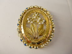 Brooch from the early 20th century