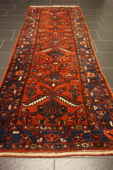 A unique Persian carpet Hamadan runner best wool natural dyes made in Iran 105 x 290 cm