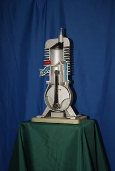 Combustion engine cut-away model - 1950-1960