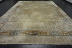 Magnificent hand-knotted oriental silk palace carpet, China, silk, Art Deco, 250 x 340 cm, made in China