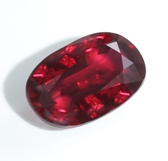 Ruby - Vivid Red - 5.02 ct