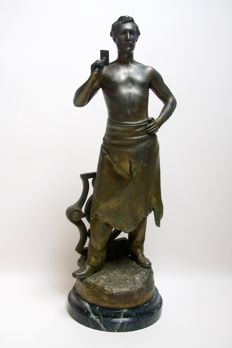 Charles Théodore Perron (1862-1934) - Patinated 'Forgeron' sculpture - zinc alloy - c. 1900