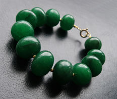 Bracelet in polished emeralds with 14 kt Gold clasp - 19.7 cm.