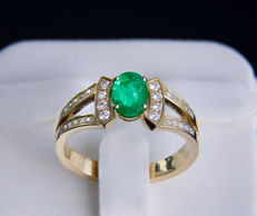 1 ct. emerald 14k gold ring with diamonds 0.84 ct. *No reserve*