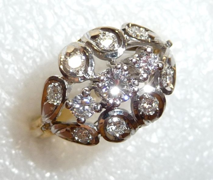 585 / 14 kt gold ring with approx. 0.80 ct of brilliant cut diamonds, antique circa 1940, ring size 58 / 18.4 mm