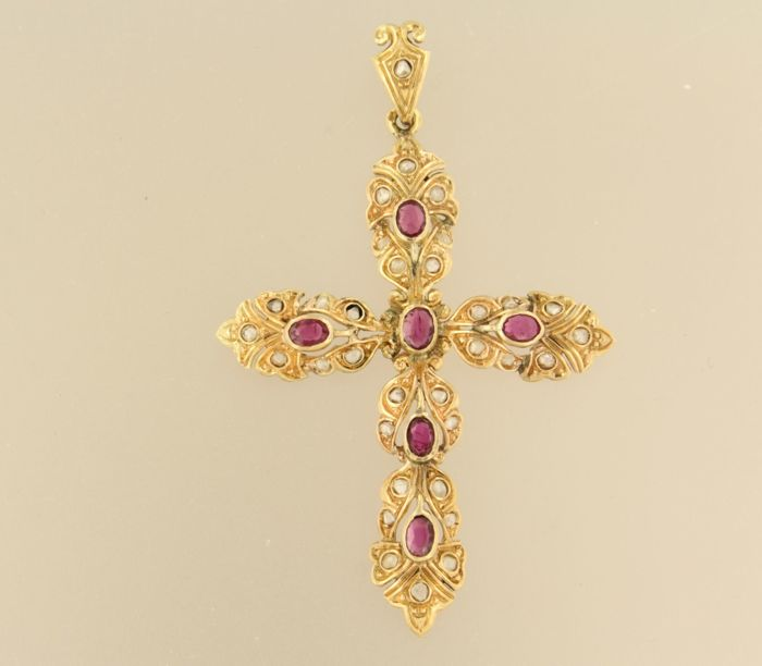 14 kt rose gold cross set with ruby and rose cut diamonds, approximately 0.25 carat in total