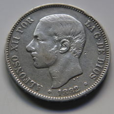 Spain - Alfonso XII - 5 pesetas silver - Year 1882, variant *18*81