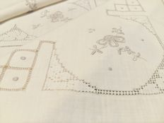 Pure cotton tablecloth with embroidery and needle and crochet inlays Handmade - Italy