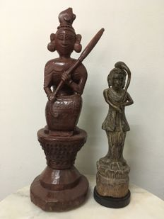 2 Wooden Lacquer Woman with Umbrella and Standing Mother of Earth. Mandalay period - Burma - 19th century.