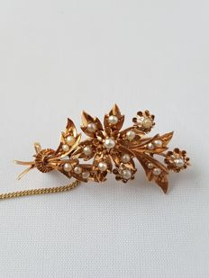 Antique 14 kt gold branch brooch with orient pearls and an extra safety pin.