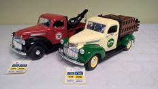 Solido - Scale 1/19 - Lot of 2 Chevrolet Pick Up truck 1946:  Tow truck (Ref. 8074) and Brewer (Ref No. 8413) - Original Editions of 2000