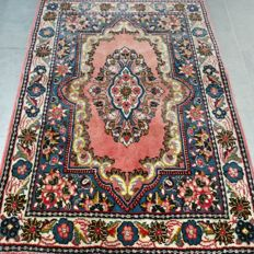 Very special Kirman Persian rug with unique design - very good condition