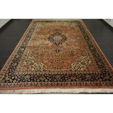 Magnificent hand-knotted Indo Qom, Isfahan, silky shine, 350 x 250 cm, made in India