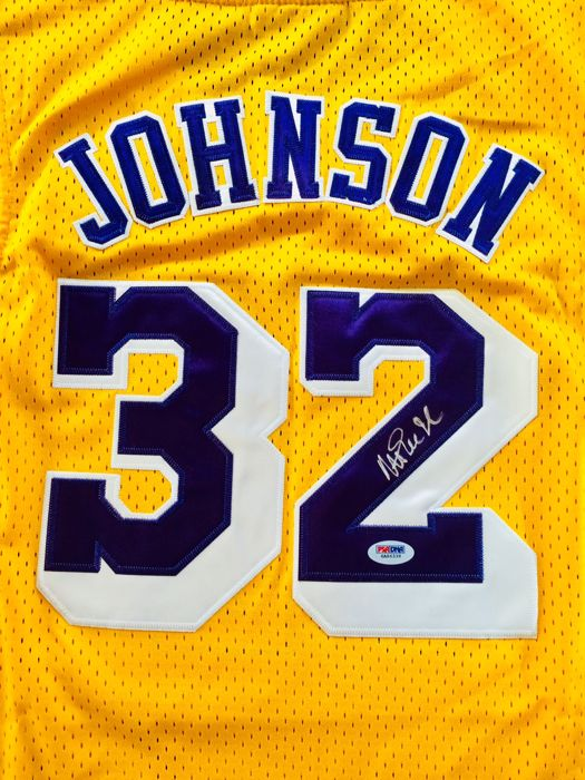 Magic Johnson #32 / LA Lakers - Amazing Signed Jersey - with Certificate of Authenticity PSA/DNA