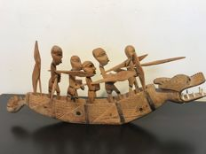 African dragon boat, complete with 5 rowers - beautiful wood carving - Africa -