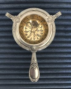 CHRISTOFLE, Paris - Small, antique tea strainer with bowl, silver plated metal and silver gilt (vermeil) - no reserve price