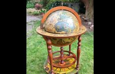 Beautiful old Globe - Minibar