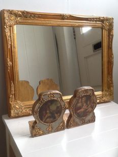 Decorative mirror and two bookends