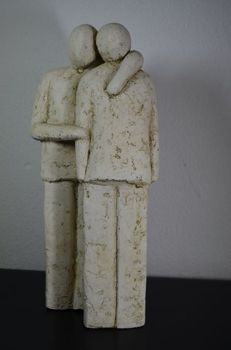Unknown artist - Ceramic sculpture of a a couple in love