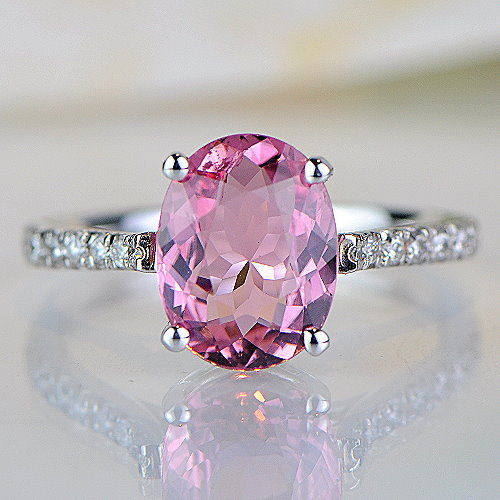 Ring with 2.46 ct pink tourmaline and 0.26 ct diamonds - 14 KT white gold - size 7/54/17.2