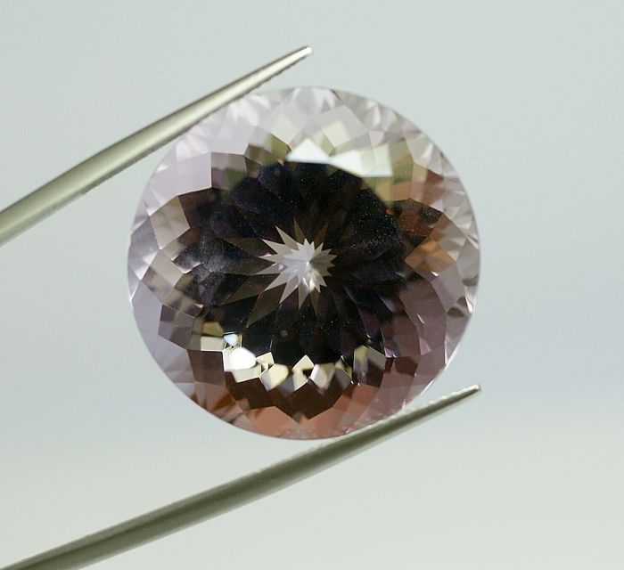 Amethyst , light  violet              53.82 ct