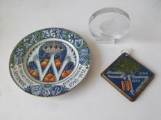 Lot with 3 Queen Wilhelmina commemorative items