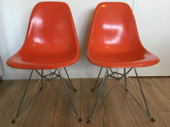 Retro Eames Stoelen.Charles Ray Eames For Herman Miller Set Of 2 Vintage Chairs Model Dsr Catawiki