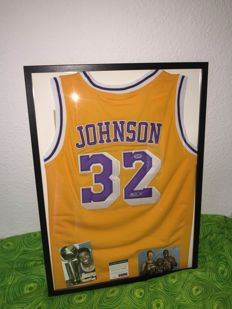 Outstanding!!! Hand-signed by Magic Johnson!!